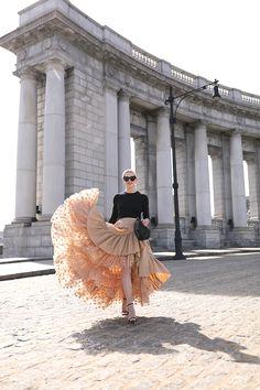 manhatten bridge Atlantic-Pacific // Blair Eadie In J. Modest Fashion, Skirt Fashion, Fashion Dresses, Quoi Porter, Ideias Fashion, Autumn Fashion, Fashion Photography, Atlantic Pacific, Fashion Looks