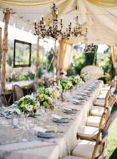 Idée déco de table mariage couleur ivoire. Geat idea for an elegant wedding table...