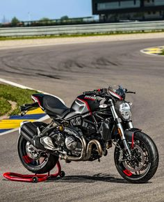 Ducati 821, Moto Ducati, Ducati Motorcycles, Moto Bike, Compare Bikes, Ducati Monster 821, Street Fighter Motorcycle, Motorcycle Wallpaper, Bike News