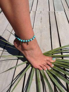 Bracelet de cheville , ankle bracelet , turquoise. de la boutique Peaceandlovebyme sur Etsy