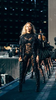 Beyoncé Formation World Tour Dodger Stadium Los Angeles California 14th September 2016 Beyonce 2013, Estilo Beyonce, Beyonce Knowles Carter, Beyonce Style, Beyonce And Jay Z, The Formation World Tour, Beyonce Formation Tour, Inspiration Mode, Red Hair Color