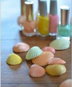 『貝殻+マニキュア』 - Lilly is Love Seashell Painting, Seashell Art, Seashell Crafts, Beach Crafts, Summer Crafts, Diy And Crafts, Arts And Crafts, Mermaid Crafts, Dot Painting