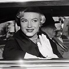 Marilyn Monroe Shows Off Prized Mikimoto Pearls From Joe DiMaggio