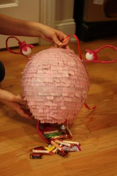 Dig piñatas? Learn to make a Uteriñata!. . . I don't know if this is disqusting, bizarre or hysterical.