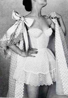 Vintage Lingerie Vintage lingerie by Jacques Fath in L'Officiel, 1956 - draw in charcoal. Jacques Fath, Lingerie Vintage, Vintage Underwear, Sexy Lingerie, Men's Underwear, Wedding Lingerie, Vintage Corset, Lingerie Sets, White Lingerie