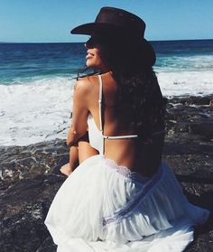 @breeferrie soaking wears the Bahama Sands Maxi by #SaboSkirt.com | @andwhatelse