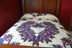 I visited an Amish quilt shop yesterday where I saw some beautiful quilts. Quilting Board, Quilting Ideas, Purple Quilts, Amish Quilts, All Things Purple, Embroidery Applique, Projects To Try, Blanket, Creative