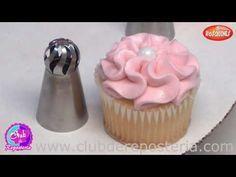 Cupcakes Decorados con Boquillas Rusas de Esfera - Club de Repostería - YouTube Russian Cake Tips, Russian Cakes, Baking Cupcakes, Cupcake Cakes, Cake Decorating Piping, Food Stations, Piping Tips, Fondant Flowers, Polymer Clay Crafts