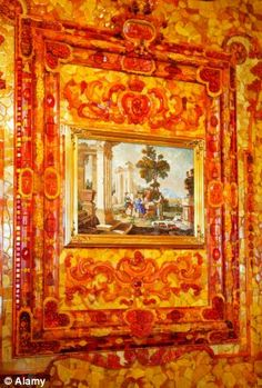 C5R8RG Great palace, 'Amber room' (1709), reconstruction, Andreas Schluter, Pushkin, near St.Petersburg, Russia