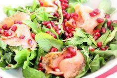 Kuchnia w wersji light: Sałatka z łososiem i granatem