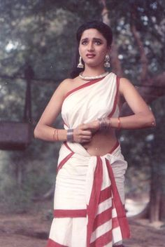 Мадхури Дикшит Нене | Madhuri Dixit Nene | Hifazat, (1987) Indian Bollywood Actress, Bollywood Girls, Beautiful Bollywood Actress, Bollywood Fashion, Indian Actresses, Bollywood Saree, Beautiful Girl Indian, Most Beautiful Indian Actress, Beautiful Women