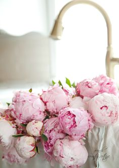 Via FRENCH COUNTRY COTTAGE: Peonies are the perfect flower