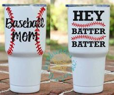 No matter your background or personal history, chances are you enjoy the game of baseball to one degree or another. Mom Tumbler, Tumbler Cups, Vinyl Tumblers, Custom Tumblers, Vinyl Crafts, Vinyl Projects, Baseball Crafts, Baseball Signs, Baseball Cup