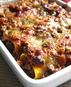 Beef Cannelloni Inspired by Italian cuisine, this hearty pasta recipe is simple, accessible, and utterly mouth-watering — perfect for everyday dinner. Meat Recipes, Pasta Recipes, Chicken Recipes, Dinner Recipes, Cooking Recipes, Paula Deen, Beef Cannelloni Recipes, Gourmet, Recipes