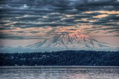 Mount Rainier. Seattle, Washington