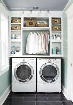 Nice 50 Cool Small Laundry Room Design Ideas https://rusticroom.co/1317/50-cool-small-laundry-room-design-ideas