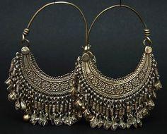 Afghanistan | Silver hoop earrings from the Hazara people | ca. 1940 | 110€: