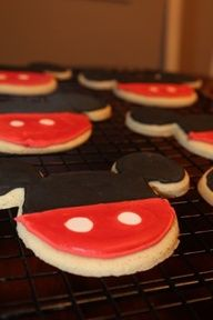 I must try this. I have this cookie cutter from Disney trip