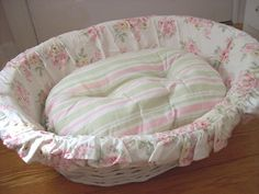 HTF Rachel Ashwell Simply Shabby Chic Pet Bed