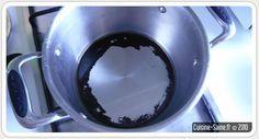 Blog cuisine bio astuce : nettoyer une casserole brulée 1 verre d'eau 1 verre de vinaigre blanc 1 cuillère à soupe de bicarbonate de soude Le tout porté à ébullition pendant 10 minutes et hop un coup de brosse et c'est fini ! ´´´