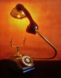 Catawiki online auction house: Nescio - Steampunk Kjøbenhavns Telephone Lamp - 'Come to the light side'