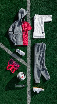 Find Focus before you hit the field in the all new adidas Athletics collection. Featuring the grey toned ZNE Travel Hoodie, packed with practical pocket details and an oversized sleeping hood for games on the road. Shop now.