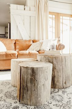 How to Make A Tree Stump Coffee Table Want a unique and stylish coffee table that nobody else has? Learn how to make your own tree stump coffee table and wow everyone that comes into your home. Its unique, rustic, versatile decor that everyone will envy Coffee Table Design, Stylish Coffee Table, Rustic Coffee Tables, Diy Coffee Table, Diy Table, Coffee Coffee, Starbucks Coffee, Coffee Drinks, Coffee Maker