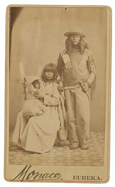 Paiute family - circa 1868 Old Photos - Paiute | www.American-Tribes.com