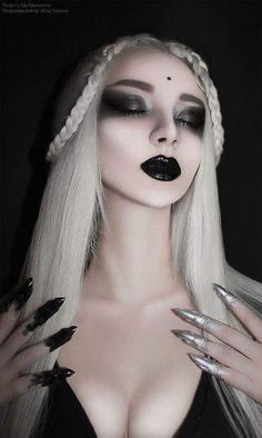 Witch makeup is that the nice demand of your date to the ladies for the special Halloween competition. And nowadays we've got some particular examples witch makeup ideas considering the effectiveness of this 2018 which cannot get from alternative parts. Dark Beauty, Goth Beauty, Witch Makeup, Eye Makeup, Hair Makeup, Runway Makeup, Skull Makeup, Makeup Art, Gothic Makeup