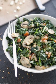 Sauteed Kale with Mushrooms and Tomatoes is the best healthy side dish. This also makes a great vegetarian main dish. I love to cook a big batch to eat with lunch or dinner- its full of delicious flavor! Cooked Kale Recipes, Veggie Recipes, Vegetarian Recipes, Cooking Recipes, Healthy Recipes, Vegan Vegetarian, Recipes With Kale, Veggie Food, Recipes Dinner