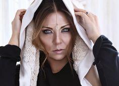 Il cerchio, capo universale di Sabrina Attiani! Il Cerchio in Ecoshearling http://shop.sabrinattiani.com/shop/capispalla-outerwear-coat/shearling-circle/
