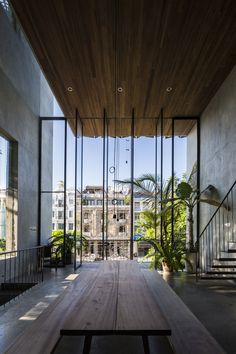 "The Thong House in Vietnam by Nishizawa Architects architecture studio - Journal du Design - With open interior spaces and huge windows that communicate with the outside, this house called ""Th - Exterior Design, Interior And Exterior, Room Interior, Interior Windows, Architecture Design, Architecture Portfolio, Amazing Architecture, Sustainable Architecture, Residential Architecture"