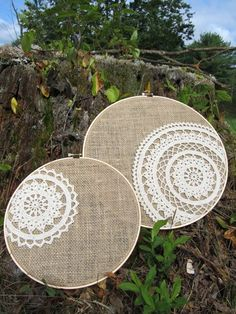 burlap and lace - hoop art Burlap Projects, Burlap Crafts, Fabric Crafts, Diy And Crafts, Doilies Crafts, Crochet Doilies, Owl Wedding, Wedding Gifts, Doily Art