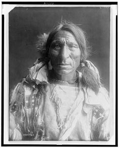 Portrait of Huron Elk Boy (c1849-1927) by Edward Curtis  Read more: http://amertribes.proboards.com/search/results?display_as=0&page=2&what_at_least_one=Ponca&who_only_made_by=0#ixzz3UPDH2Ei5