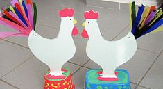 GCC Games Crafts Coloring - Parties and celebrations - EASTER CRAFTS - Easter decoration, easter recipes, easter games and easter fun for kids, pictures and directions.Easter rooster with colorful tail. Easter Games, Easter Crafts For Kids, Easter Ideas, Rooster Craft, Colorful Party, Painted Pots, Art Classroom, Chinese New Year, Spring Crafts