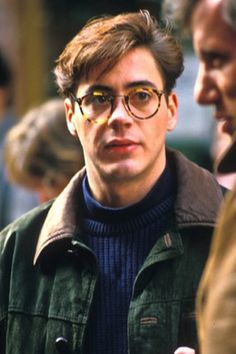 "on the set of ""True Believer"", - Love RDJ Robert Downey Jr., Robert Downey Jr Young, Dylan Sprouse, Pretty Men, Gorgeous Men, Foto Twitter, Johnny Depp, Downey Junior, Marvel"