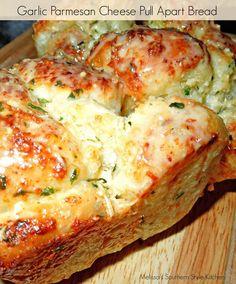 Garlic-Parmesan Cheese Pull Apart Bread [Using Rhodes Frozen Yeast Rolls] - melissassouthernstylekitchen.com