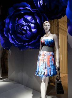(A través de CASA REINAL) >>>>>  Dior windows 2014 Summer, Paris – France » Retail Design Blog