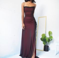 Incredibile red & black mesh dress Fantastico Super Un abito (n. Prom Outfits, Grad Dresses, Evening Dresses, Cute Outfits, Elegant Dresses, Pretty Dresses, Beautiful Dresses, Formal Dresses, Formal Shoes