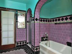 24 Ideas Bathroom Vintage Style Art Deco For 2019 Art Deco Tiles, Art Deco Bathroom, 1920s Bathroom, Bathroom Colors, Purple Bathrooms, Vintage Bathrooms, Tiled Bathrooms, Bathroom Tubs, Bathroom Showers