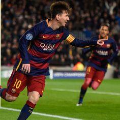 @fcbarcelona Leo Messi regresó a un once titular culé y no decepcionó. Se le vio activo, participativo y con brillo. Marcó doblete y celebró con sus compañeros Neymar Jr. y Luis Suárez dos triunfos importantísimos #9ine