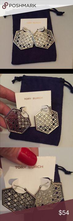 NWT TORY BURCH HEXAGON EARRINGS WT DUSTBAG 💜💜 NWT TORY BURCH SILVER HEXAGON SHAPED EARRINGS... ON THE CARD AND IN THE DUSTBAG. Tory Burch Jewelry Earrings