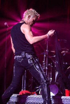 Welcome to the Billy Idol Fanpage!