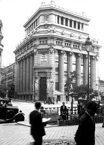 Banco antiguo en pinterest bancos de la iglesia y for Google banco exterior