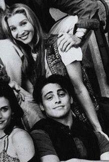 Phoey ( Phoebe and Joey) Friends Joey Friends, Friends Tv Show, Joey And Phoebe, Ross Geller, Joey Tribbiani, Phoebe Buffay, Chandler Bing, Rachel Green, Tv Shows