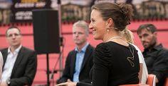 Im umfangreichen Programm präsentierte Top-Speakerin Antje Heimsoeth das Thema Mentale Stärke. In Kooperation mit der Universität Tübingen, der Bundesagentur für Arbeit und weiteren Partnern fand am 3. Juli 2014 in der Paul Horn-Arena Tübingen eine Karrieremesse der ganz anderen Art …
