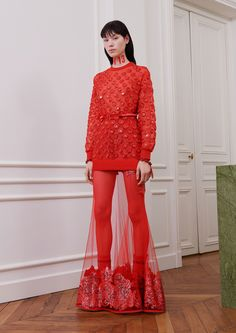 See the complete Givenchy Fall 2017 Ready-to-Wear collection.
