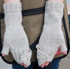 Commuter fingerless mittens : Knitty First Fall 2011