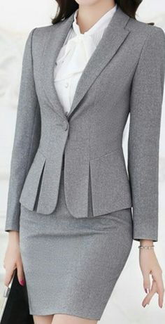 99 Stylish Blazer Outfits Ideas For Women Trends Fashion for Your Inspirations! / / 99 Stylish Blazer Outfits Ideas For Stylish Blazer Outfits Ideas For WomenAre you bor Formal Jackets For Women, Blazers For Women, Work Suits For Women, Business Suits For Women, Women Blazer, Suits Women, Coat Outfit, Blazer Outfits, Skirt Outfits