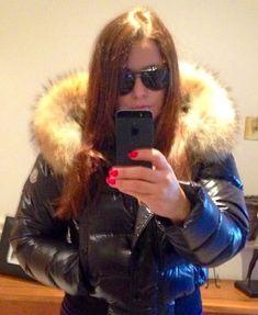Fur Jacket, Jacket Style, Moncler, Winter Parka, Down Puffer Coat, Fur Collars, Puffer Jackets, Cool Girl, Fashion Beauty